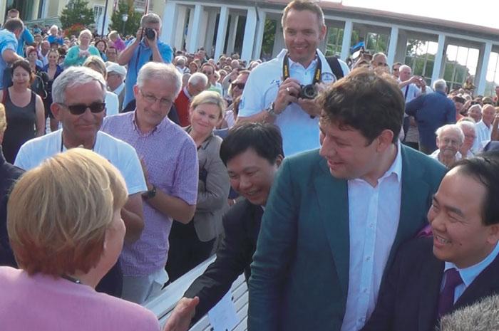 揭阳市经贸代表团访欧受邀参加默克尔总理竞选